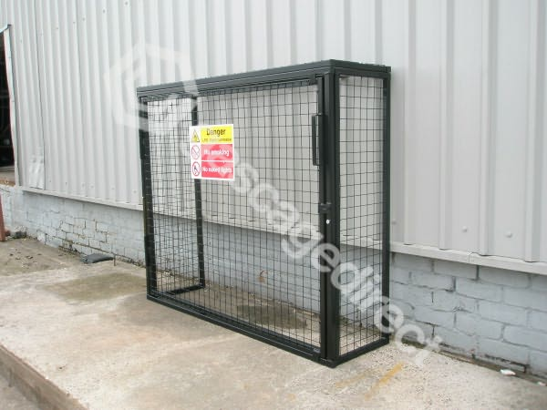 Hasp And Staple >> Gas Cylinder Cage GC224 x 47 kg H1400 x W1650 x D500 - GasCageDirect